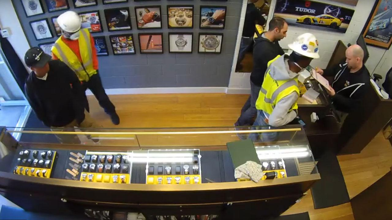 Robbers Try To Steal From Jewelry Store By Pretending To Be Construction Workers
