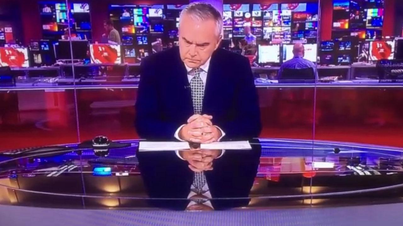 Awkward Dead Air As Newscaster Misses His Cue By Nearly Three Minutes