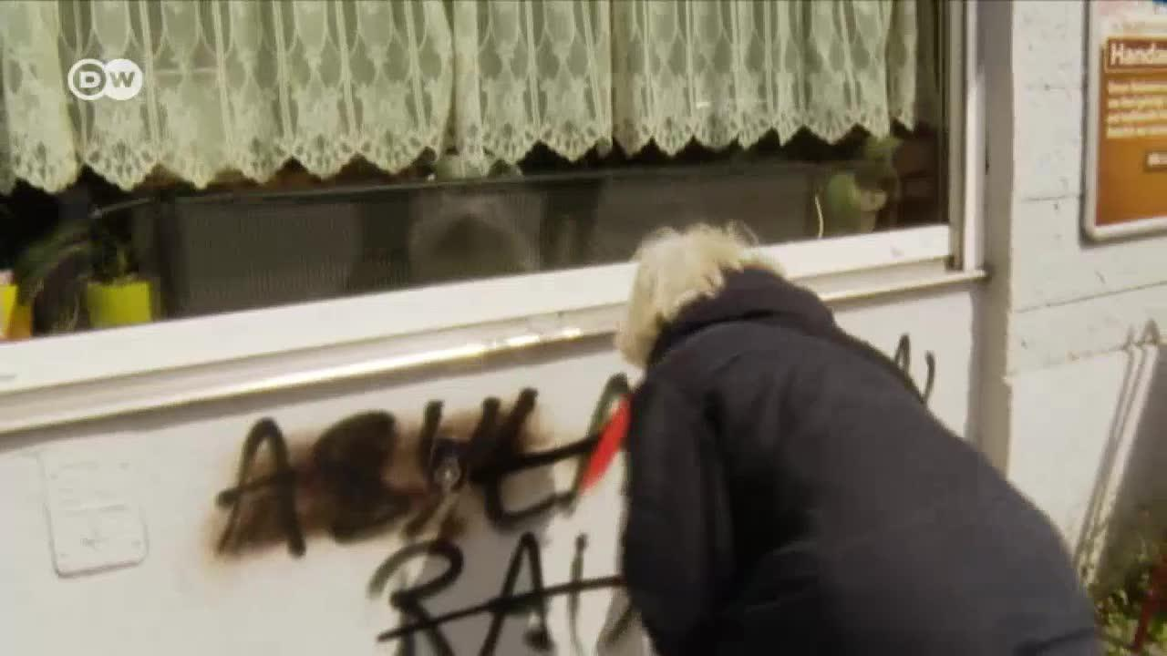 Berlin Pensioner Cleans Up Hate Speech