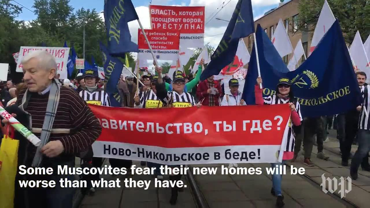 Thousands in Moscow protest plan to raze their homes