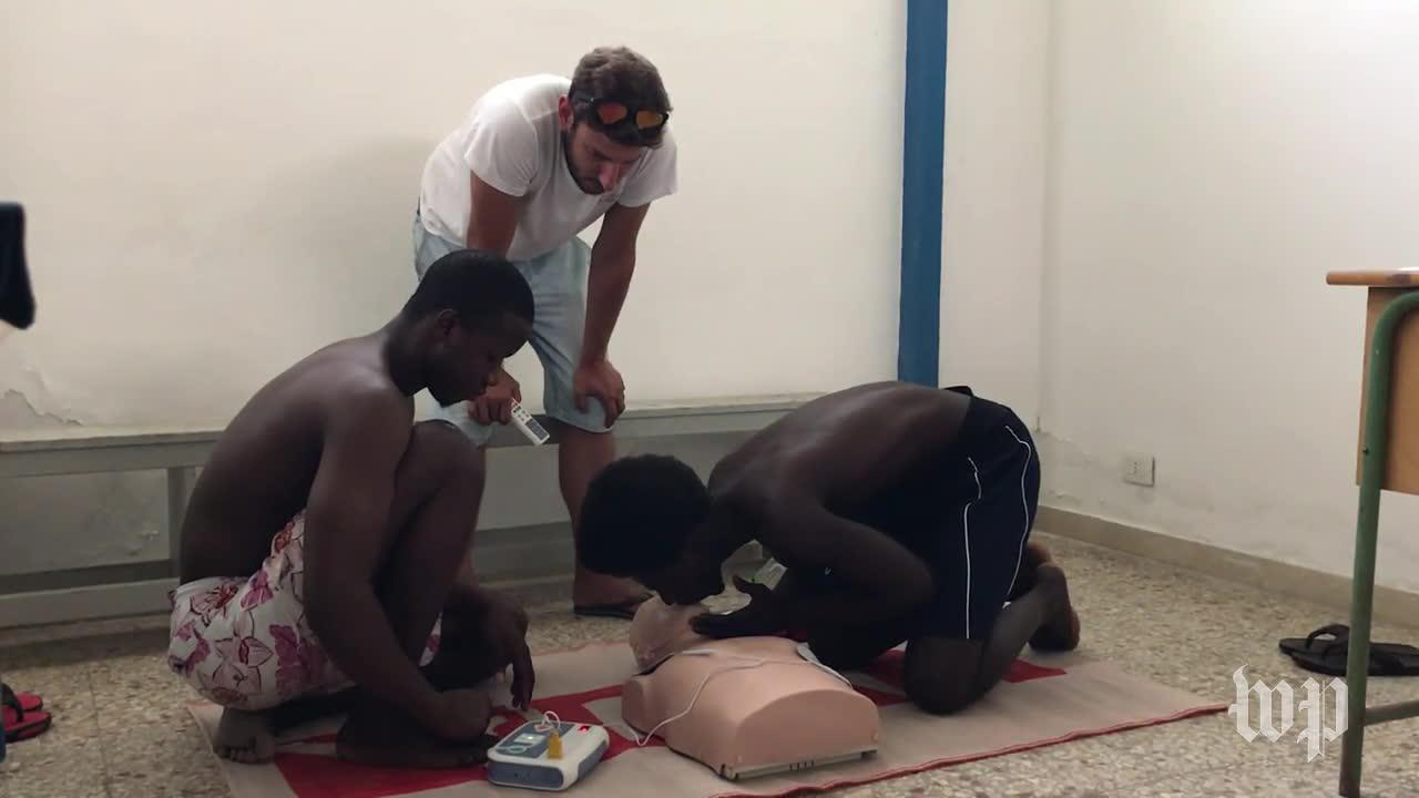 Cpr And Swimming Lessons For Migrants Traumatized By Crossing