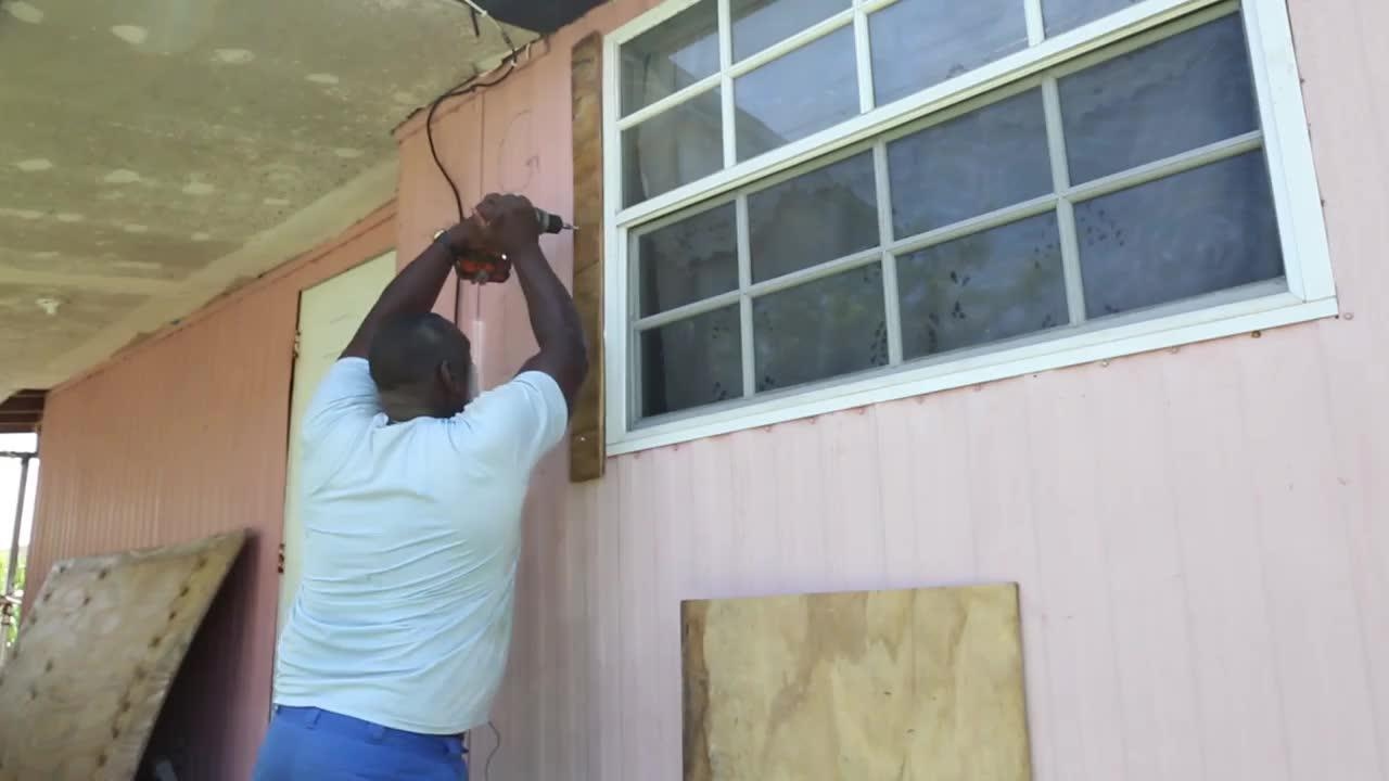 Residents Of A Mobile Home Neighborhood In Miami Are Not Taking An_...