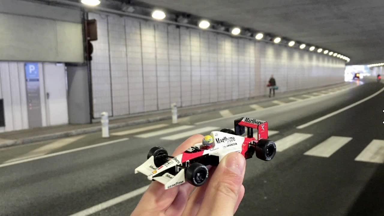 Senna rivive all'Autodromo Nazionale Monza grazie ad un giovane fotografo